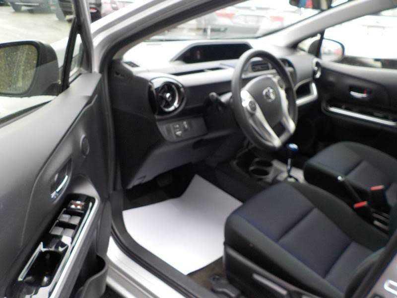 Toyota Prius 2015 $14900.00 incacar.com