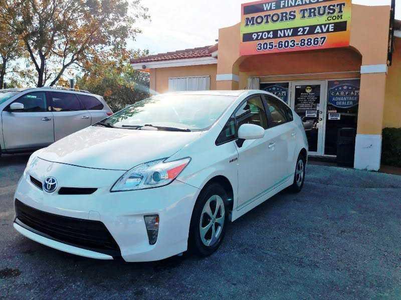 Toyota Prius 2015 $7900.00 incacar.com