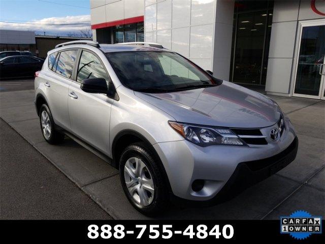 Toyota RAV4 2015 $18500.00 incacar.com