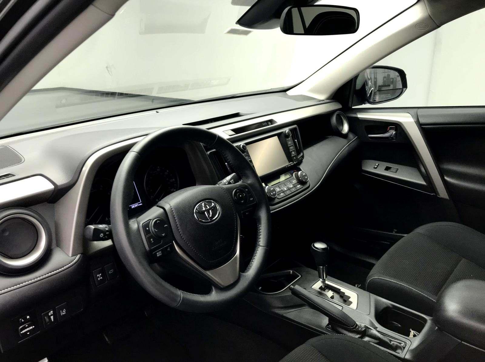 used Toyota RAV4 2017 vin: 2T3RFREV0HW561451