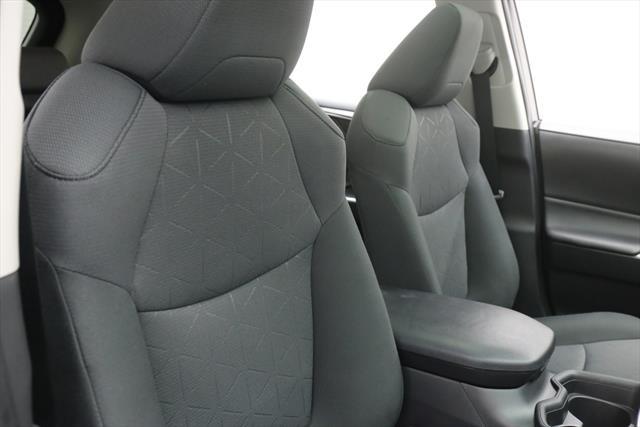used Toyota RAV4 2019 vin: 2T3W1RFV5KW007989