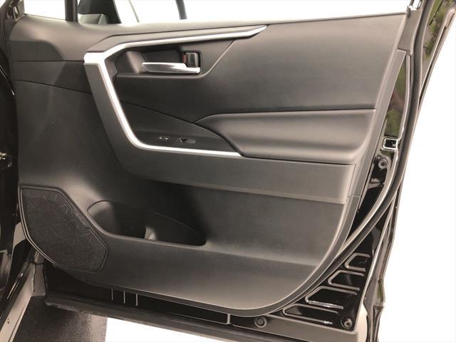 used Toyota RAV4 2019 vin: 2T3W1RFV0KW004126