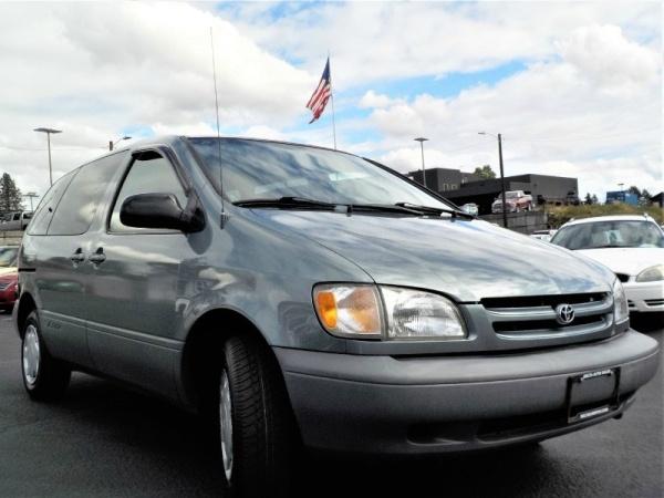 Toyota Sienna 1999 $4495.00 incacar.com