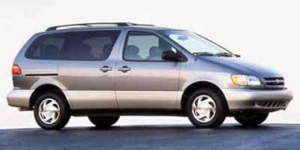 Toyota Sienna 2000 $99999.00 incacar.com