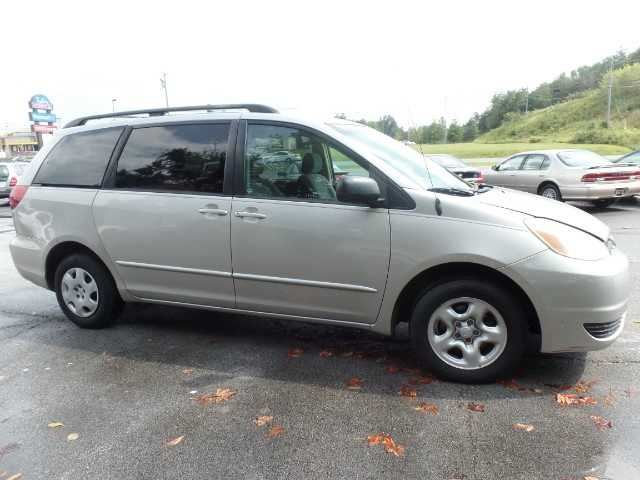 Toyota Sienna 2005 $3295.00 incacar.com