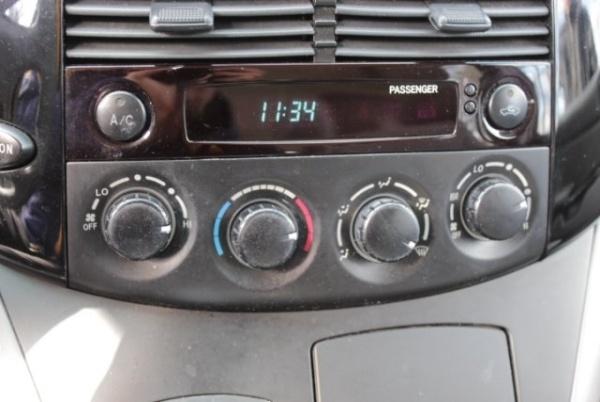 Toyota Sienna 2005 $3459.00 incacar.com