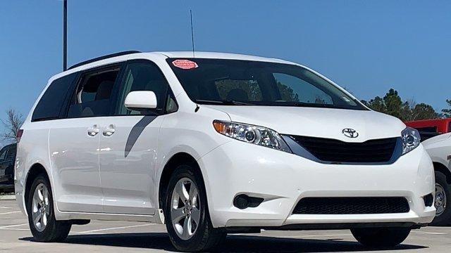 Toyota Sienna 2014 $14988.00 incacar.com