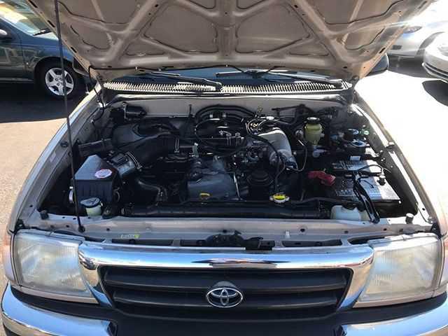 Toyota Tacoma 2000 $8995.00 incacar.com
