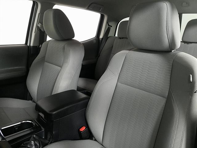 used Toyota Tacoma 2019 vin: 5TFAX5GN1KX135853
