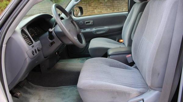 Toyota Tundra 2000 $12500.00 incacar.com
