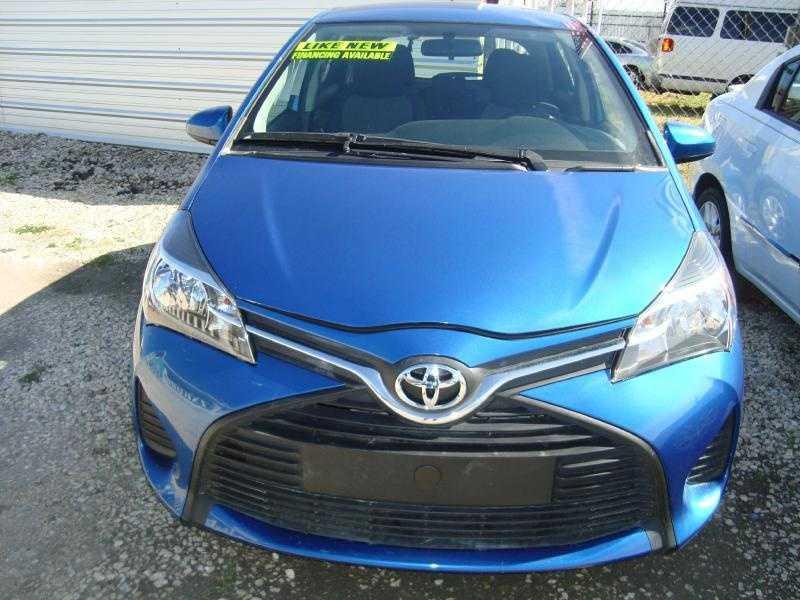 Toyota Yaris 2015 $9995.00 incacar.com