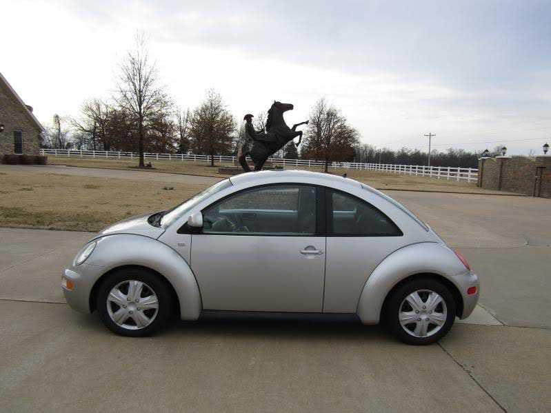 Volkswagen Beetle 2000 $5500.00 incacar.com
