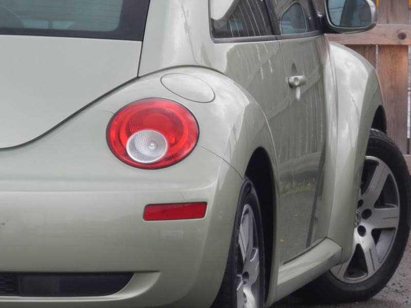 Volkswagen Beetle 2006 $5995.00 incacar.com
