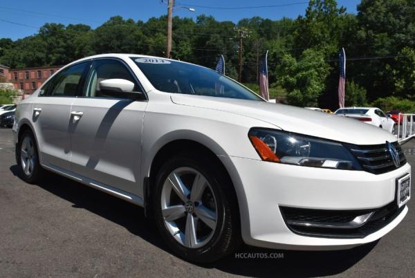 Volkswagen Passat 2014 $14995.00 incacar.com