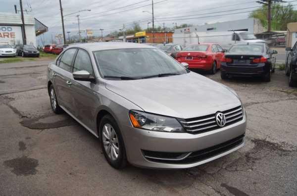 Volkswagen Passat 2014 $4499.00 incacar.com