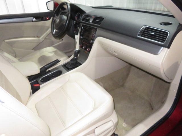 Volkswagen Passat 2015 $9995.00 incacar.com