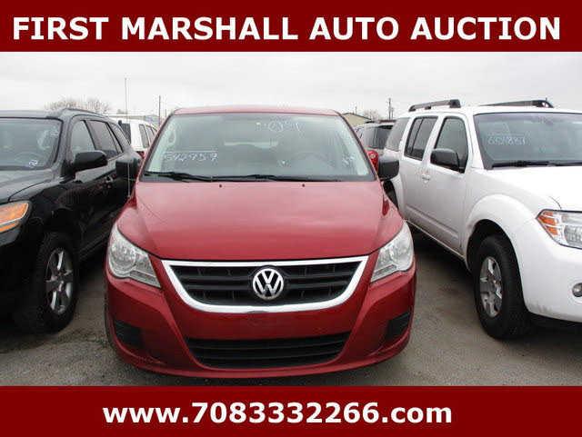 Volkswagen Routan 2009 $2700.00 incacar.com