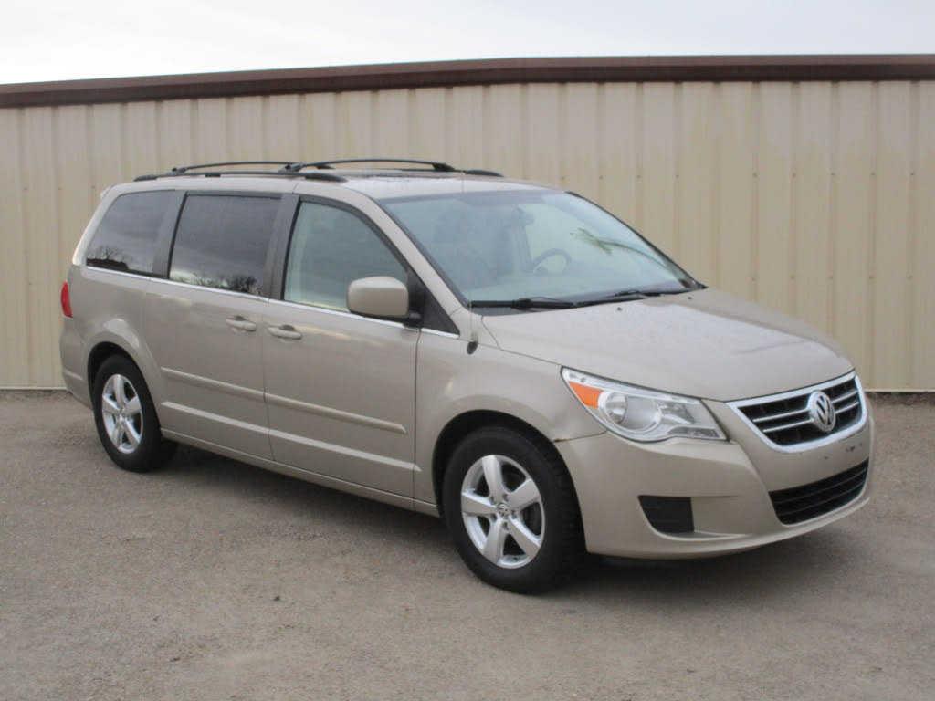 Volkswagen Routan 2009 $2900.00 incacar.com