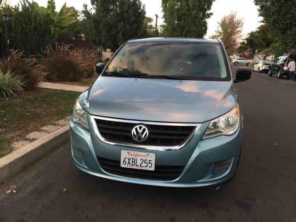 Volkswagen Routan 2010 $3500.00 incacar.com