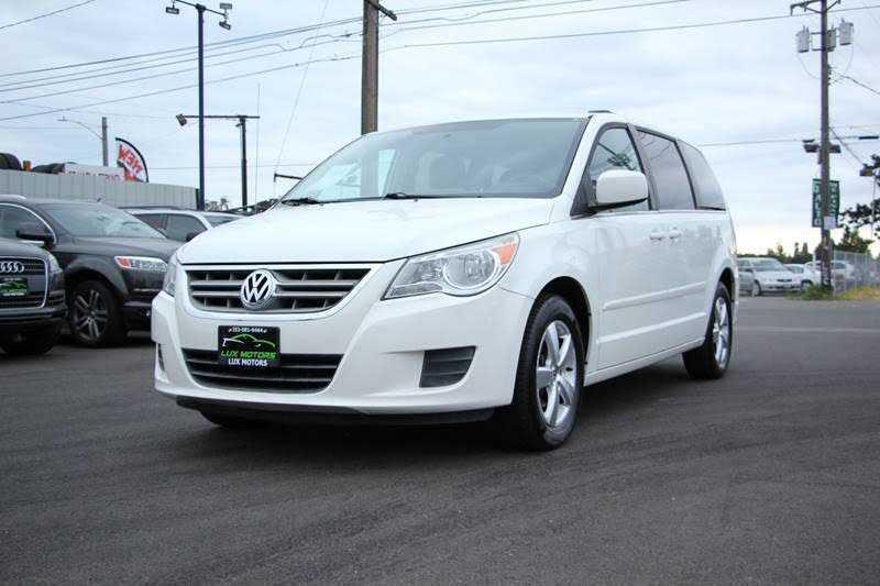 Volkswagen Routan 2011 $11990.00 incacar.com