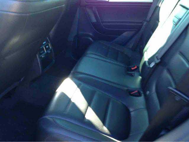 Volkswagen Touareg 2013 $27995.00 incacar.com