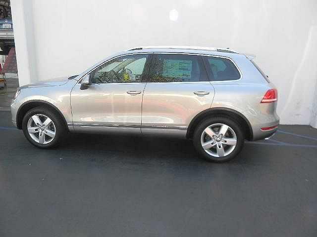 Volkswagen Touareg 2013 $65020.00 incacar.com
