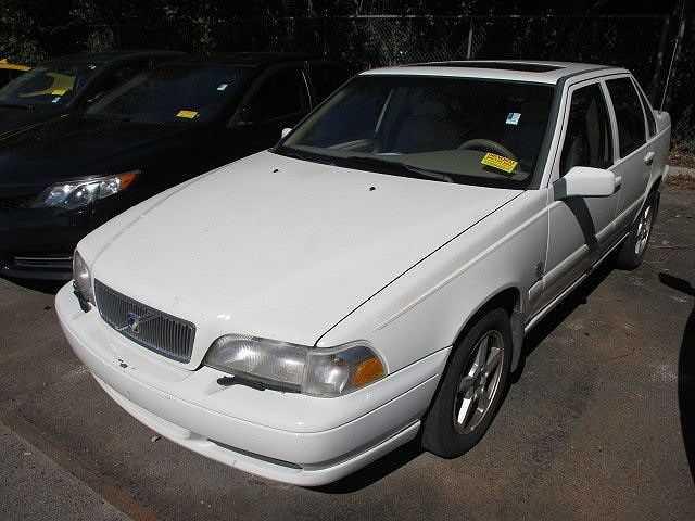 Volvo S70 1999 $2000.00 incacar.com