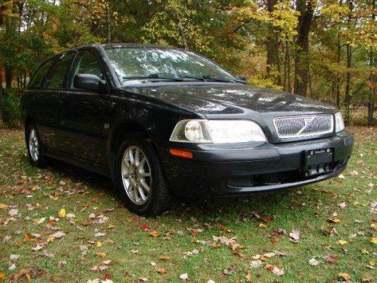 Volvo V40 2001 $2450.00 incacar.com