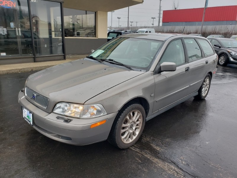 Volvo V40 2004 $3295.00 incacar.com