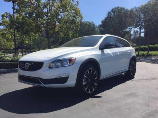 Volvo V60 2017 $38481.00 incacar.com