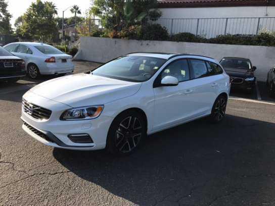 Volvo V60 2017 $29988.00 incacar.com