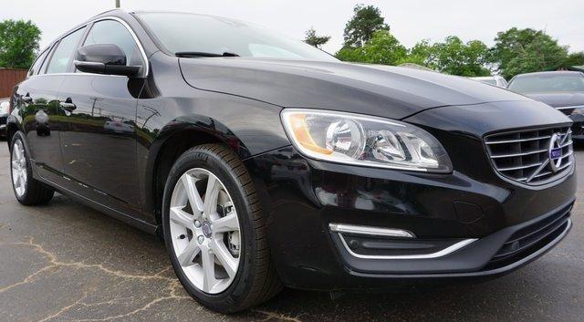 Volvo V60 2017 $16000.00 incacar.com