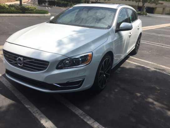 Volvo V60 2017 $37988.00 incacar.com