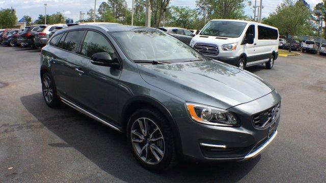 Volvo V60 2018 $25990.00 incacar.com