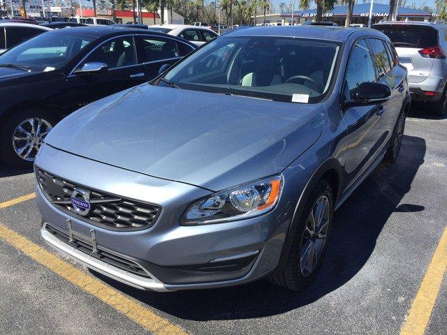 Volvo V60 2018 $28998.00 incacar.com