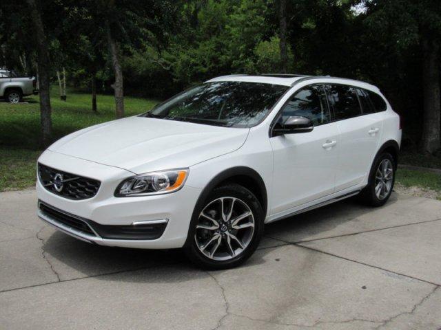 Volvo V60 2018 $32990.00 incacar.com