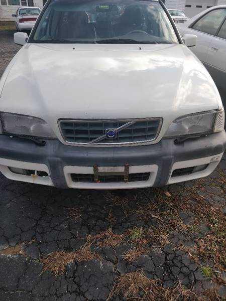 Volvo V70 1999 $2800.00 incacar.com