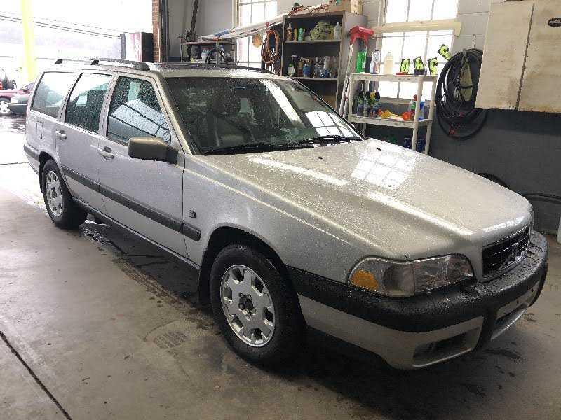 Volvo V70 2000 $4800.00 incacar.com