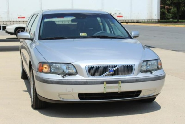 Volvo V70 2004 $3200.00 incacar.com