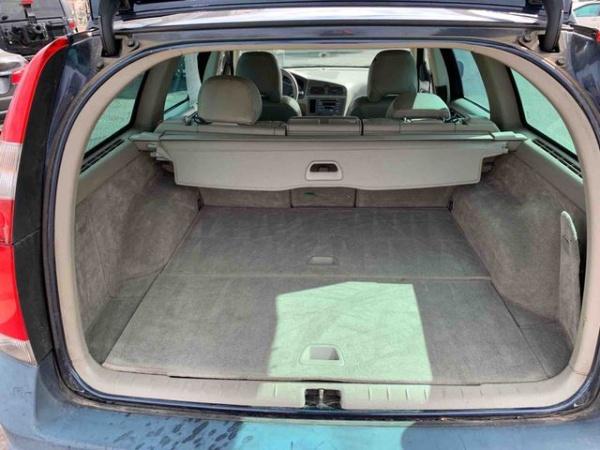 Volvo XC70 2003 $4999.00 incacar.com