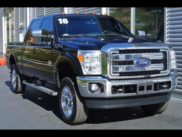 2016 Ford Super Duty F 350 SRW 4X4 Crew Cab 8 Ft Box King