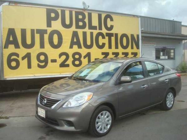 Nissan Versa 2013 $5400.00 incacar.com