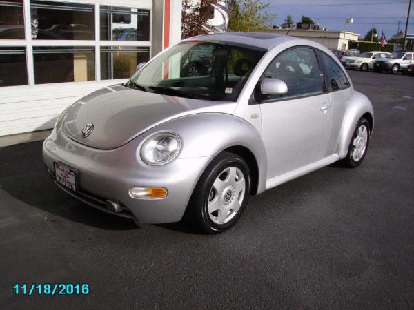 Volkswagen New Beetle 2000 $2000.00 incacar.com