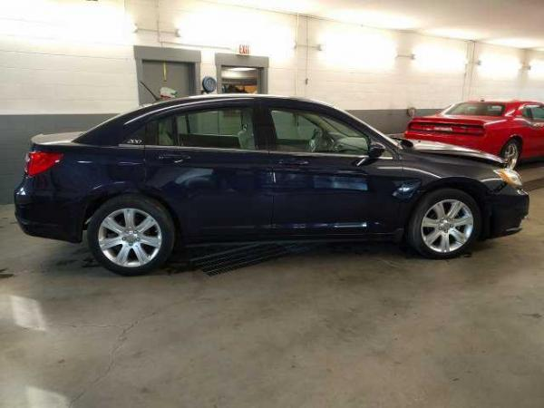 Chrysler 200 2013 $2350.00 incacar.com