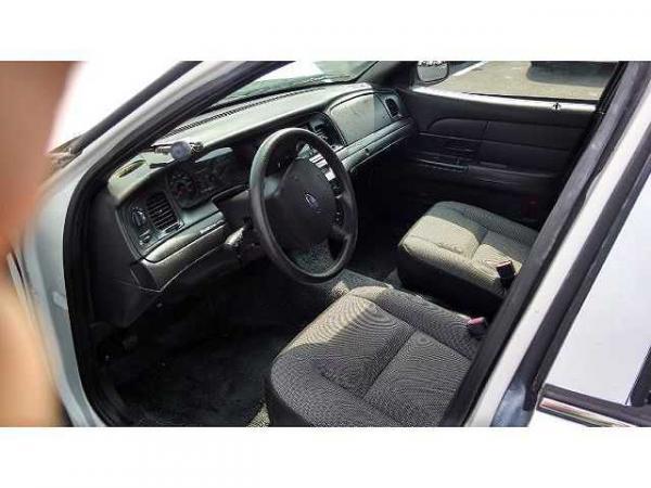 Ford Crown Victoria 2006 $4995.00 incacar.com