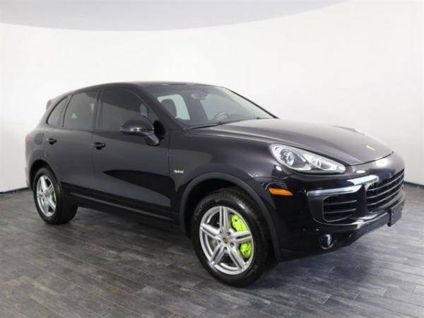 Porsche Cayenne 2015 $47999.00 incacar.com