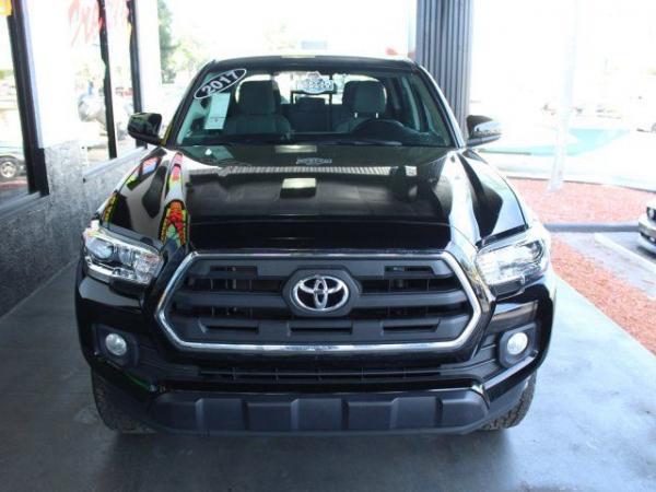 Toyota Tacoma 2017 $27000.00 incacar.com