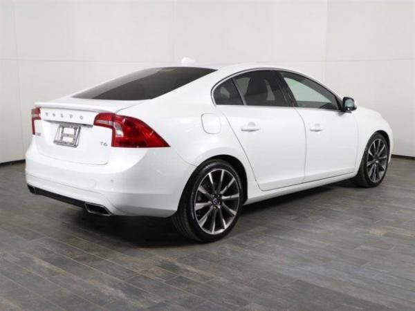 Volvo S60 2015 $16999.00 incacar.com
