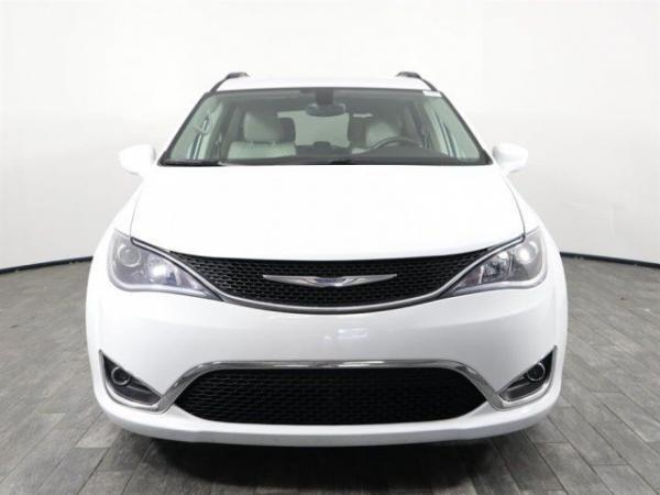 Chrysler Pacifica 2017 $21999.00 incacar.com