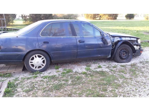 Toyota Camry 1994 $400.00 incacar.com